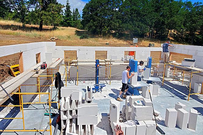 autoclaved aeriated concrete work site